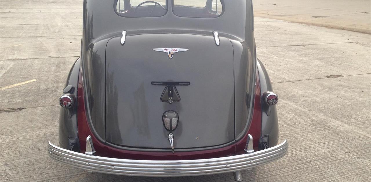 1937 DeSoto 4-Dr Sedan