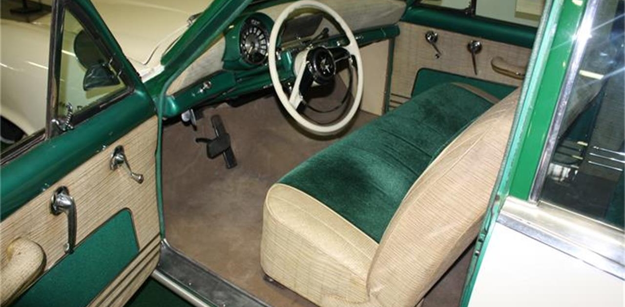 1954 Kaiser 2-Dr Sedan