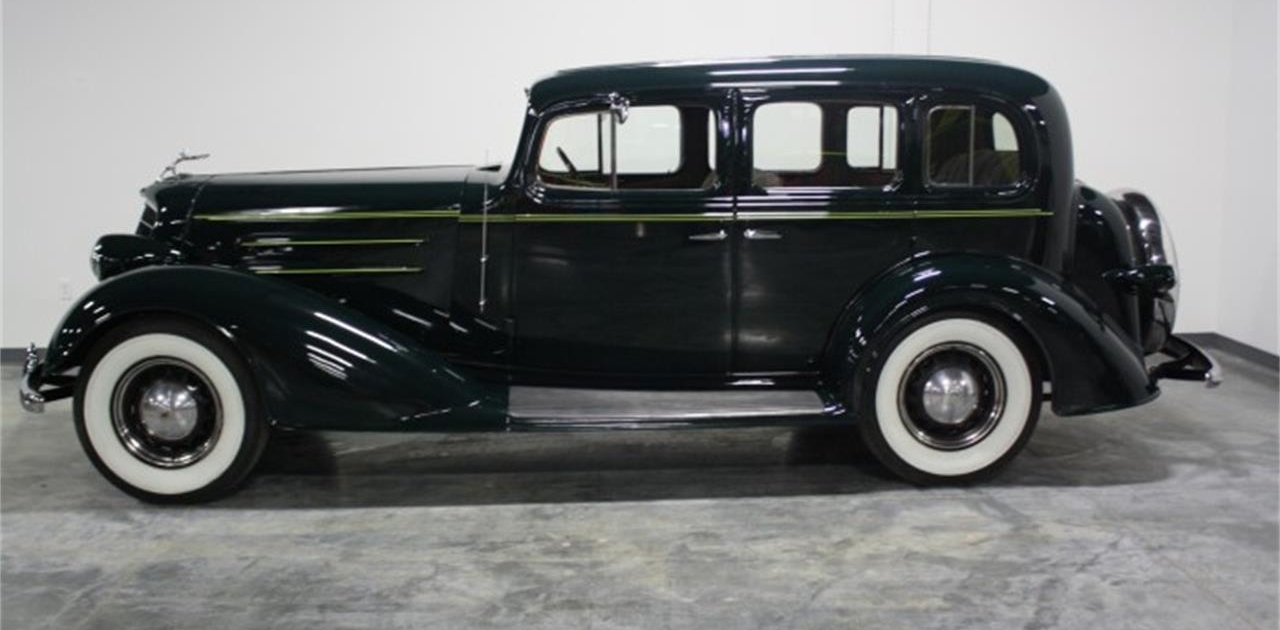 1934 Oldsmobile 4 Dr Touring
